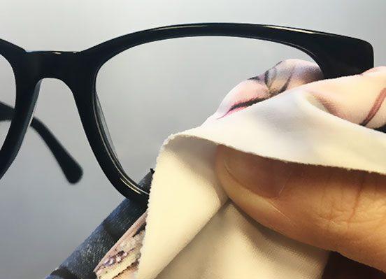 Optiko by Schütt - Brillenmode in Hamburg - Tipps zur Handhabung und Pflege Ihrer Brille